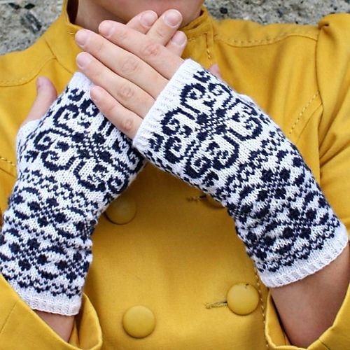Norwegian heart fingerless gloves by Lisa LilleNor