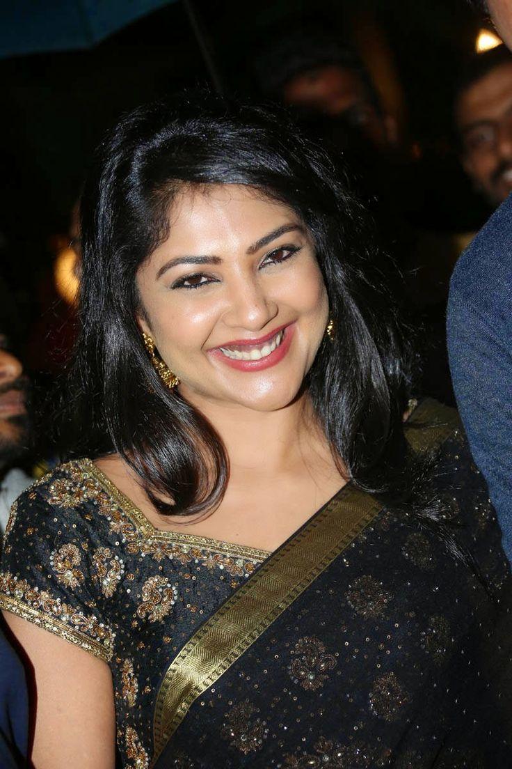 Kamalinee Mukherjee Photo Gallery