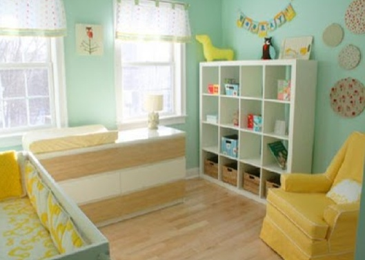 Love yellow and the fun embroideries on the wallWall Colors, Colors Combos, Nurseries Colors, Colors Schemes, Baby Room, Neutral Nurseries, Benjamin Moore, Nurseries Ideas, Baby Nurseries