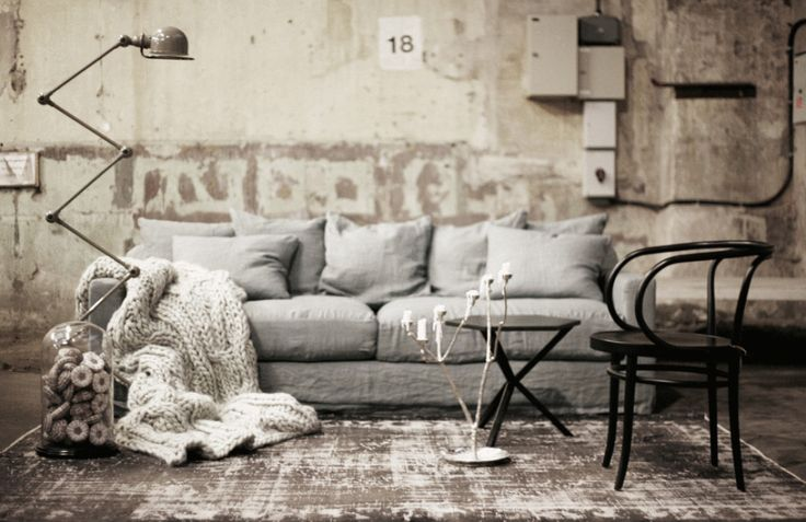 Grey sofa, jielde lamp, industrial vintage vibe - Artilleriat via me and Alice