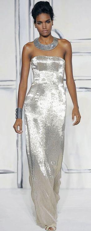 Oscar de la Renta platinum gown