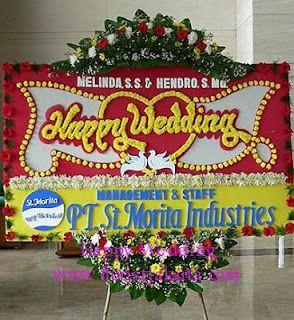 Florist Jakarta menyediakan jasa kirim bunga papan ucapan selamat menempuh hidup baru ke gedung TAIP atau Taman Anggrek Indonesia Permai. Di...