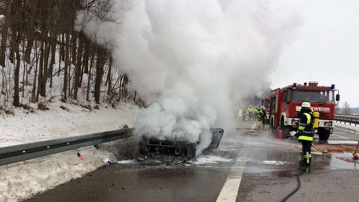 A95 gesperrt: Fahrzeugbrand zwischen Sindelsdorf und Murnau | Sindelsdorf