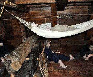 Hammocks2_Kalmar_museum_Kronan_boatbuilder.JPG (360×300)