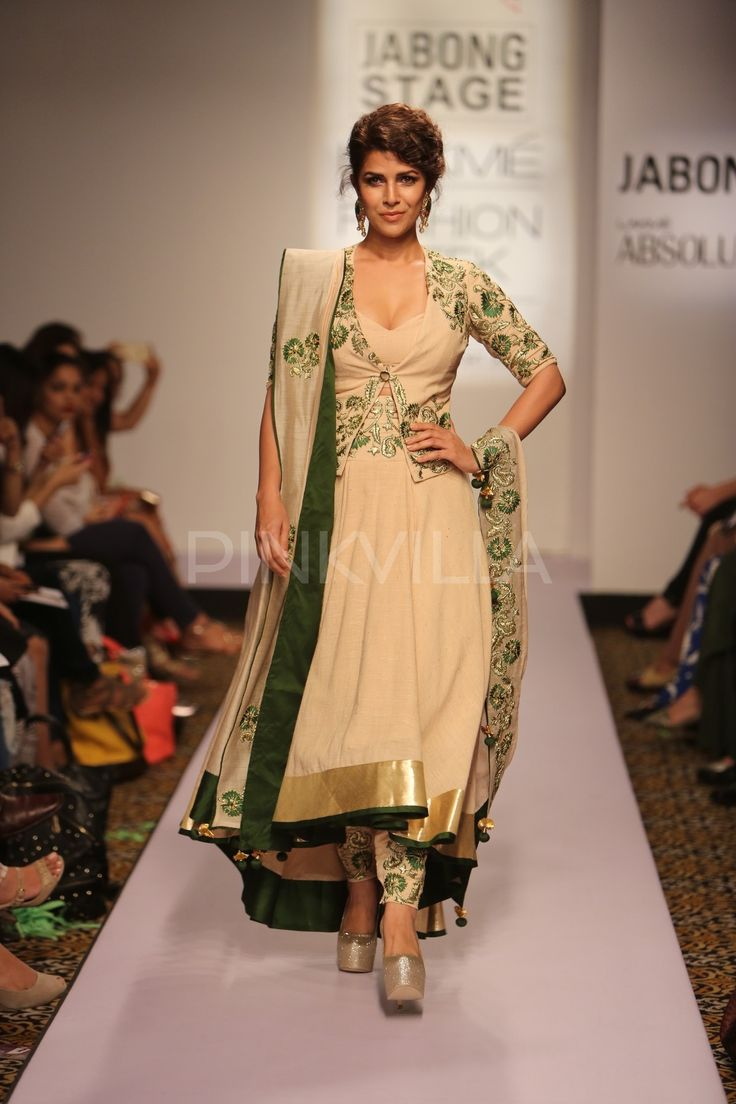 Nimrat Kaur turns showstopper for Shilpa Reddy at Lakme Fashion Week 2015