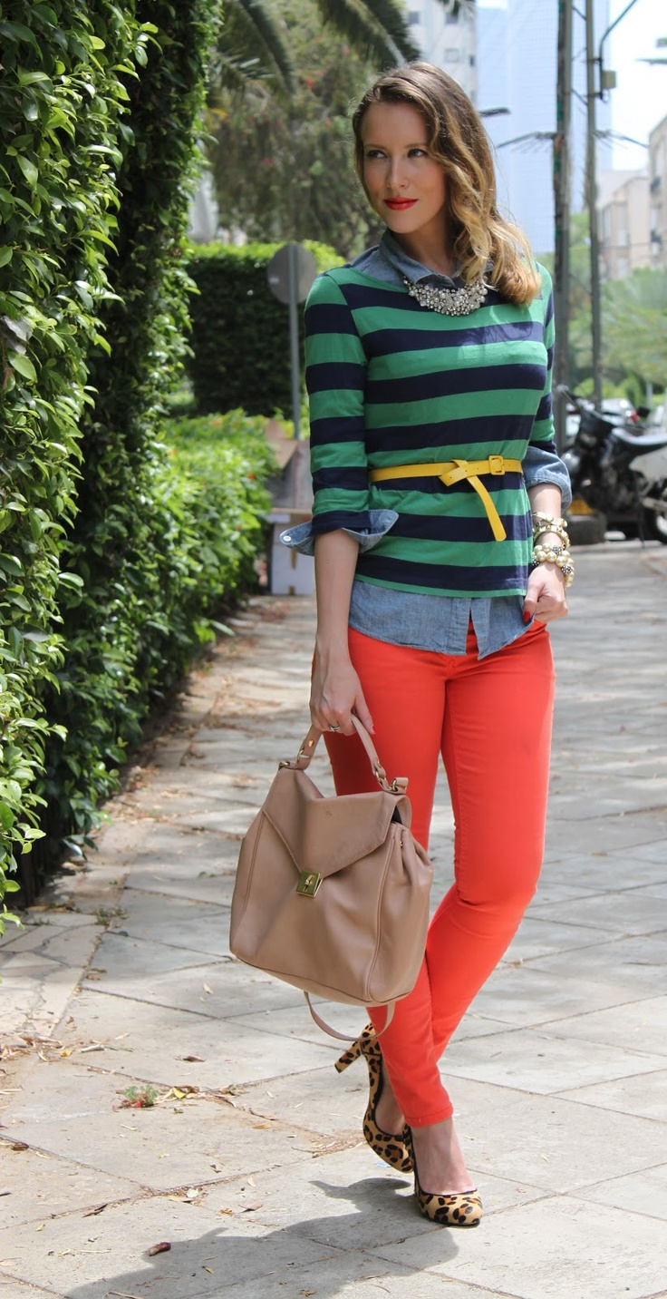 green and navy striped top chambray top, red jeans, red lips, leopard pumps, yellow belt, red lips, wavy side part hair