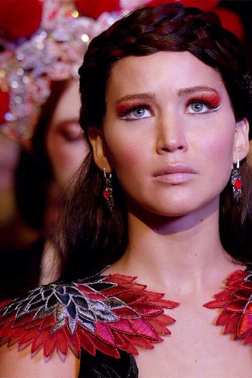 Katniss Everdeen: Jennifer Lawerance looked sunning in this scene. I would have to say she would be my girl crush