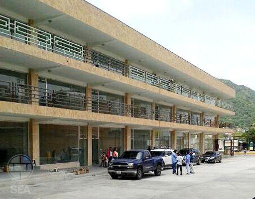 Pre-venta Locales C.C Plaza City, Puerto Cabello L5. Seaconfiable.com Vende: Locales Comerciales en el Centro Comercial Plaza City desde 80 mt2, en toda la Perla del Desarrollo Comercial y Médico de la Zona de Puerto Cabello, se ubica estratégicamente frente al Hospital José F. Molinas Cierra, El Seguro Social (IVSS) y a una cuadra de la Clínica San Agustín y de la Cruz Roja, a escasos metros del IPASME.