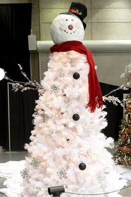 Snowman Tree. Great to use our White Christmas trees for this look! - http://www.uniquelychristmastrees.co.uk/white-spruce-7ft-artificial-christmas-tree.html
