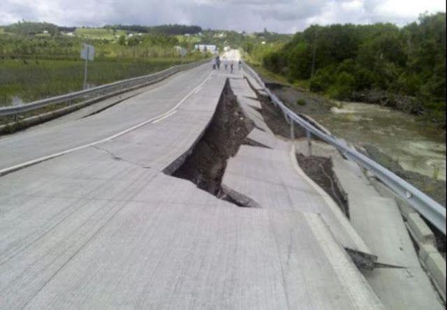 """""""ACA SE MOVIO TODO"""": SISMO EN CHILE SE SINTIO EN ARGENTINA EN ZONA DONDE DESCANSA MACRI   Un sismo de 76 sacudió a Chile y se sintió en Argentina 25/12/2016   12:03   Se registró a las 11.22 en las regiones de Biobío La Araucanía Los Ríos Los Lagos y Aysén según informó la Oficina Nacional de Emergencia (Onemi). Hay alerta de tsunami.Un sismo de 76 en la escala de Richter se registró a las 11.22 en Chile en las regiones de Biobío La Araucanía Los Ríos Los Lagos y Aysén según informó la…"""