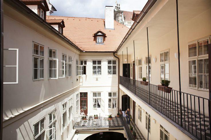 Little Town Budget Hotel www.littletownhotel.cz