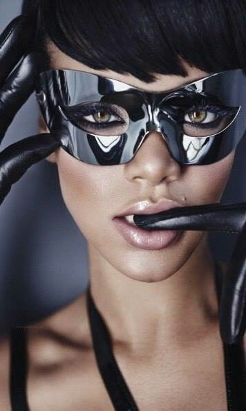 839d1ec537cb9 Masquerade ♥ Rihanna Black Crystal Mask