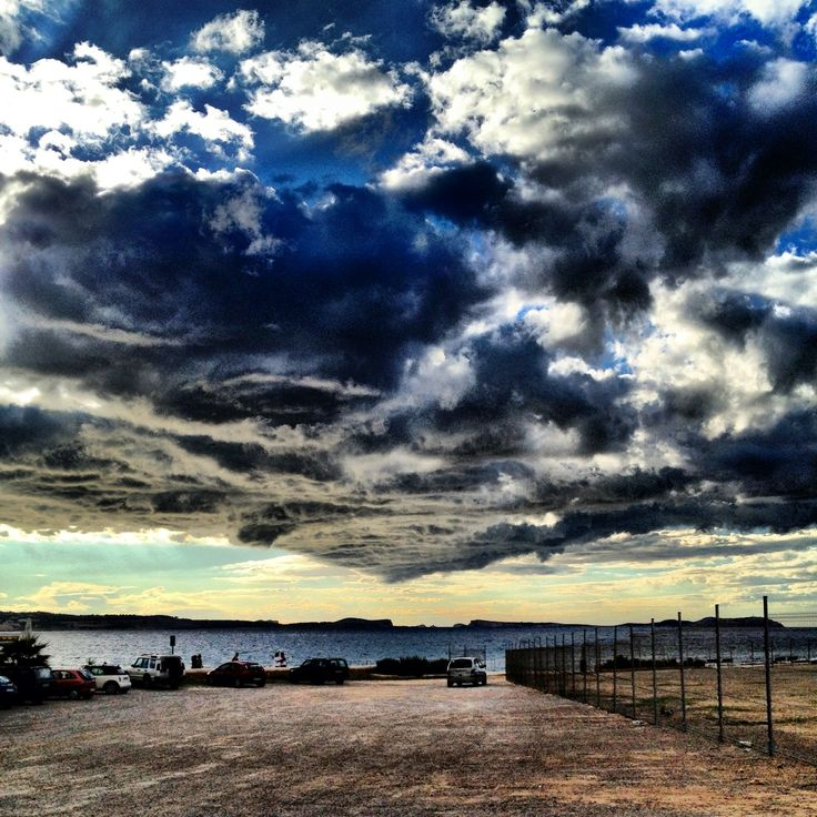 Nube sobre Ses Variades de San Antonio