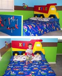 Great head board for construction room theme  http://www.olivekids.com/siteimages/showcase/kylesroom.jpg