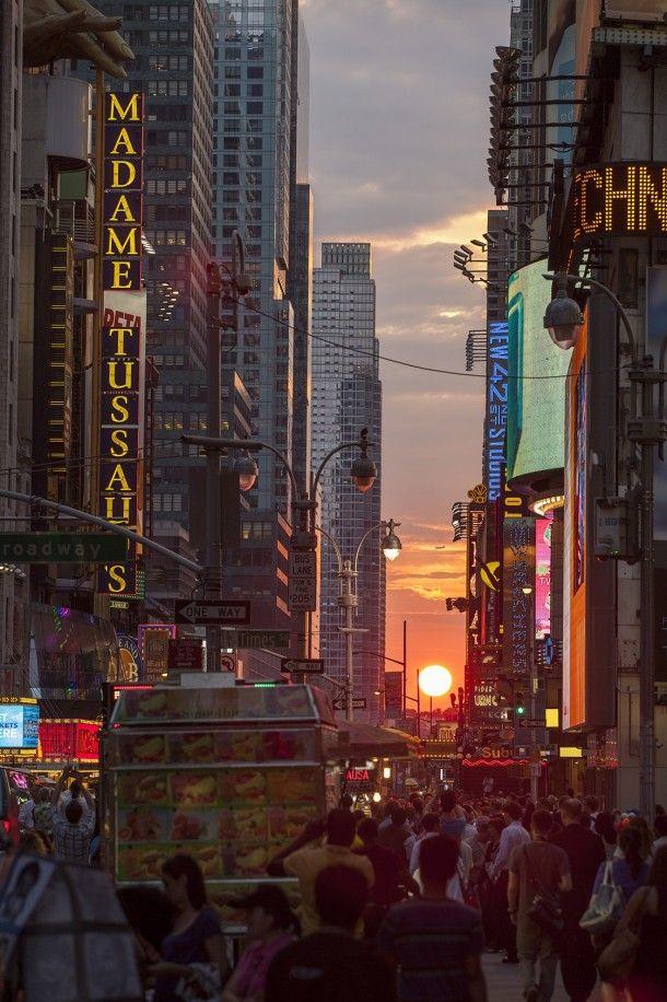 Manhattan-henge NYC  #city #manhattan-henge