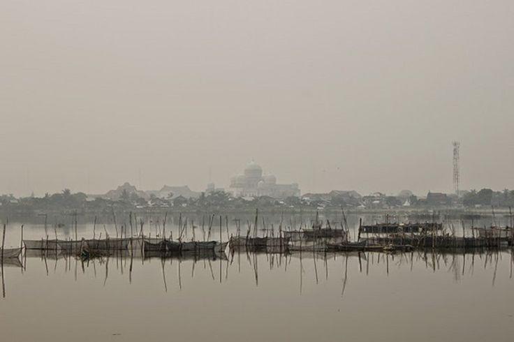 BANDA ACEH | ACEHKITA.COM — Aktivitas masyarakat Aceh Selatan agak terganggu oleh debu yang melanda kawasan itu. Masyarakat menduga, debu tersebut bersumber dari erupsi Gunung Api Sinabung di Kabupaten Karo, Sumatera Utara.