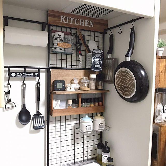 場所別にレクチャー 狭キッチンの収納ワザ 大全集 Macaroni 狭い家のキッチン 狭いキッチン 収納 狭いキッチン レイアウト