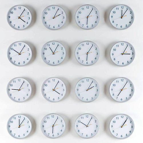 Тайм-менеджмент – это искусство рационального управления временем и планирования в работе. Этому можно научиться, если уметь расставить приоритеты и цели.
