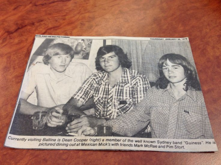 Dad when he was young and in a band in the 70's:)*Xx