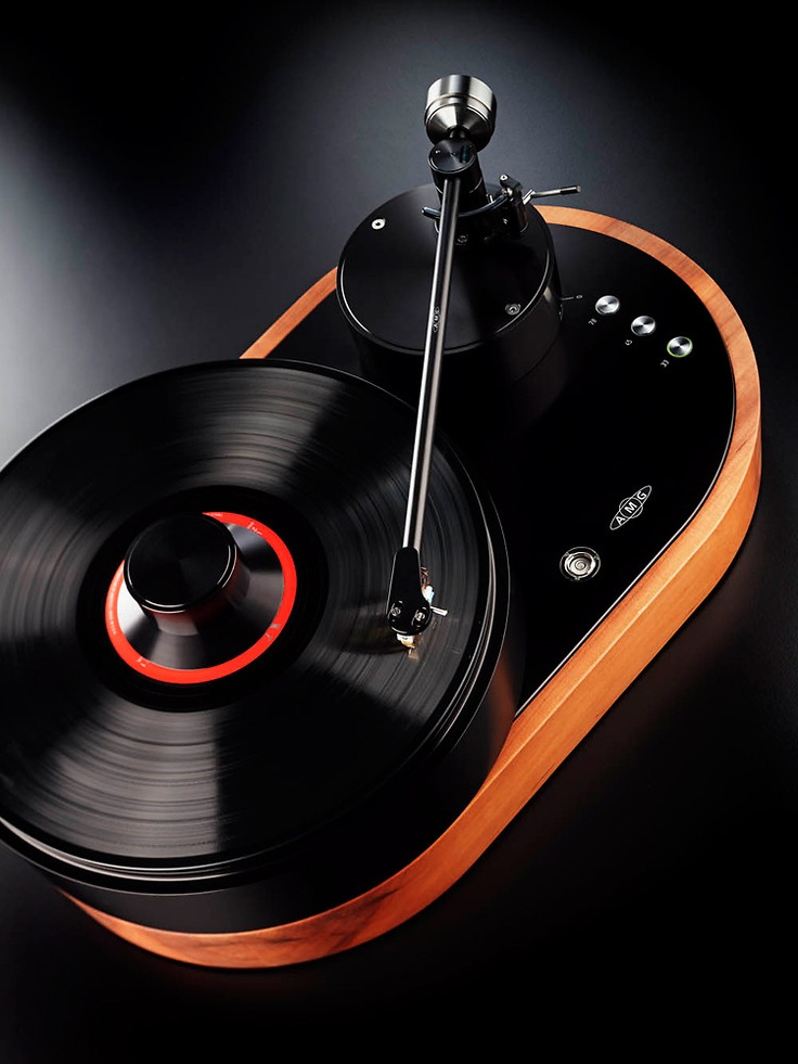 Handcrafted Turntable - Germany