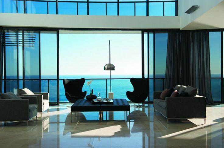 Oracle Broadbeach Living room