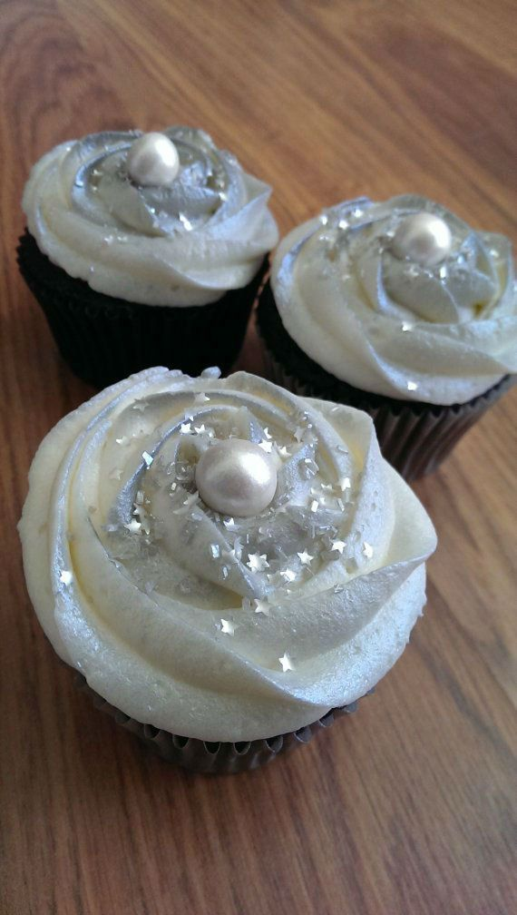 { Wedding in Silver } #cupcakes #reception  37 Gorgeous Winter Wedding Ideas in Silver Theme