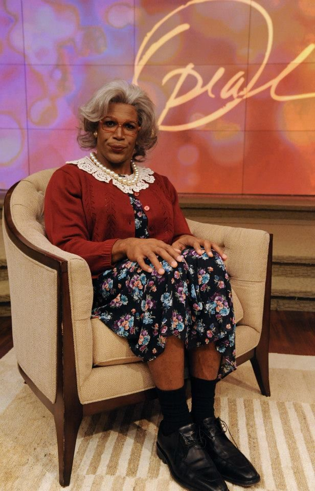 michael strahan dressed as tyler perry dressed as madea on oprahs show kelly and michael - Oprah Winfrey Halloween Costume