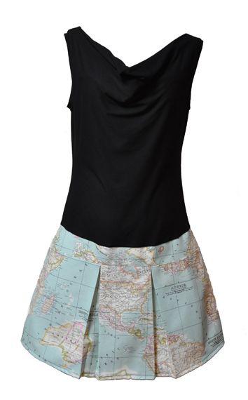 Vestido con cuello drapeado y falda tableada, en punto de viscosa y loneta de algodón.