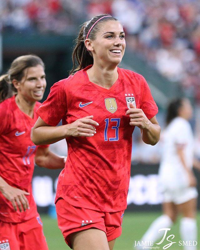 Alex Morgan Tobin Heath Usavnz May 16 2019 Usa Soccer Women Alex Morgan Soccer Girl