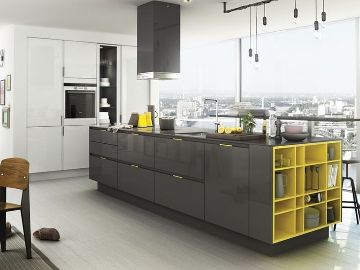 Fitted kitchen with island with integrated handles S3 SmartDesign Collection by SieMatic