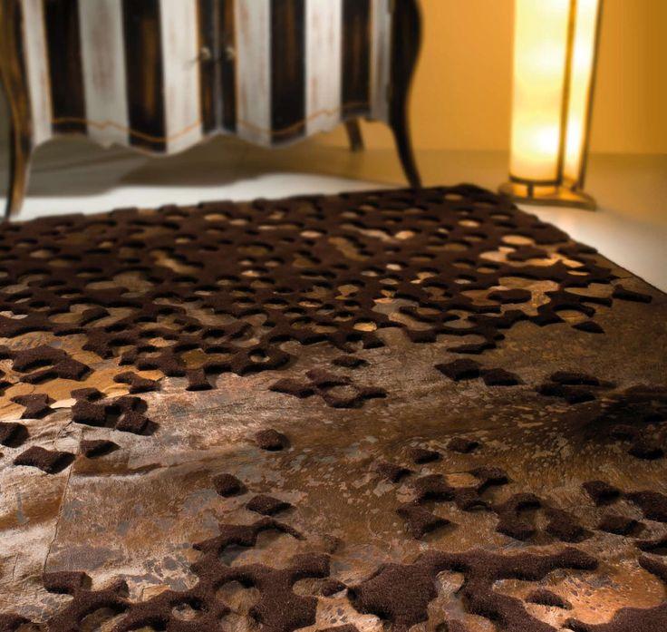 Alfombra de piel moderna Varanasi Brown detalle