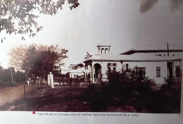 Luis Emilio Monsalve M.CALI VIEJO - Memoria fotogràfica. Esta bella postal de epocas, nos muestra una casa en el barrio granada cuando la avenida se llamaba avenida ayacucho la que hoy es la avenida sexta