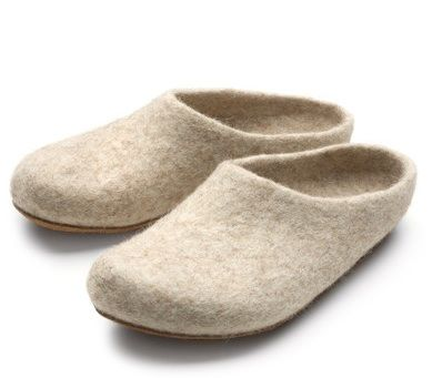 wet felt slippers - need to make a pair of these!