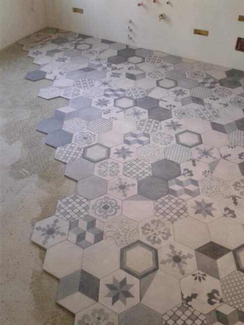 Oltre 25 fantastiche idee su piastrelle esagonali su - Incollare piastrelle su legno ...