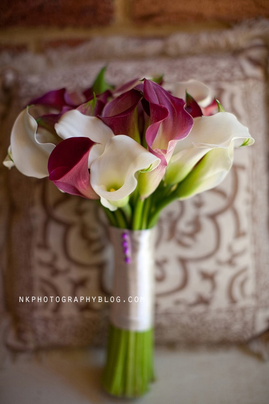 calla lilly purple white wedding bouquet more inspiration: http://www.modernrani.com
