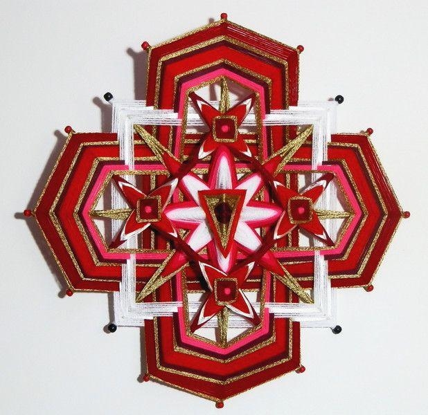 Wanddeko -   WURZELCHAKRA GARN MANDALA - Ojo De Dios (Ø40 cm) - ein Designerstück von Dr-MariRich bei DaWanda