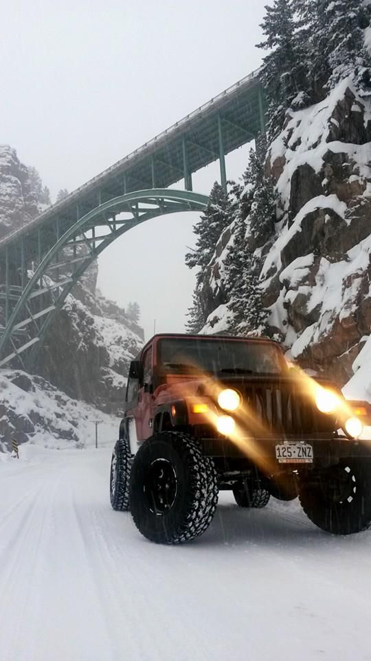 jeep under a bridge in the snow Winter off roader, blue sky, beauty, wheels, transportation, Nomad Defender in the snow Land Rover, jeep suzuki lj sj of road cool ice 4x4 love best car fun winter StanPatzitw http://www.manifestauto.ro/autoturisme/jeep.html