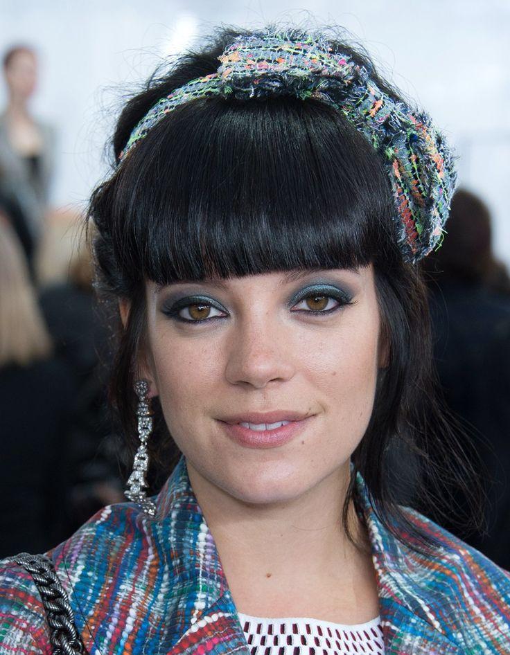 Le serre-tête en tweed Chanel de Lily Allen