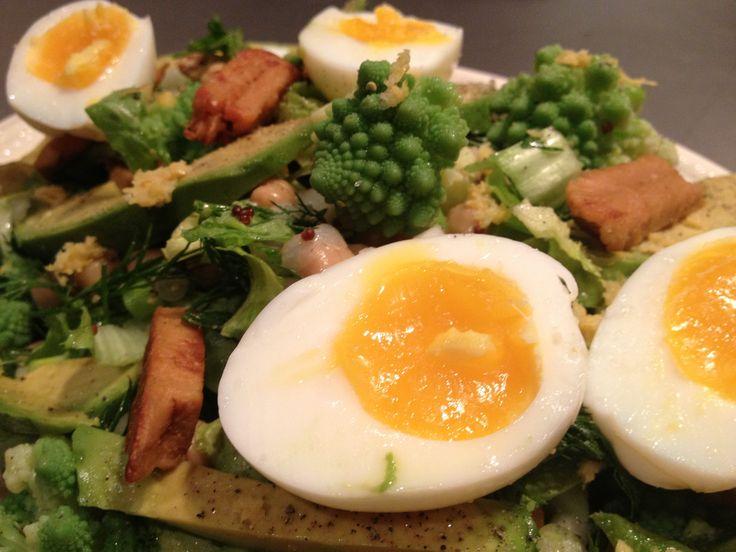 Salade met romanesco, kikkererwten en een eitje: juli, augustus, september, oktober, november