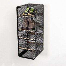 Hold styr på dit fodtøj med stil med Tica Copenhagens nye smarte skostativ. Nu kan du nemt holde styr på dit fodtøj i bryggers eller entre på en pæn måde. Skostativet kan også bruges i køkken og andre rum til at holde orden på sagerne. Bemærk at det kan vende på 2 måder, således at man har en åben front eller omvendt, at man har en lukket front og sætter skoene ind fra siden. Der er 4 flytbare hylder, der kan sættes lige der, hvor man ønsker. Kommer i 3 farver og rummer mindst 5 par sko/...