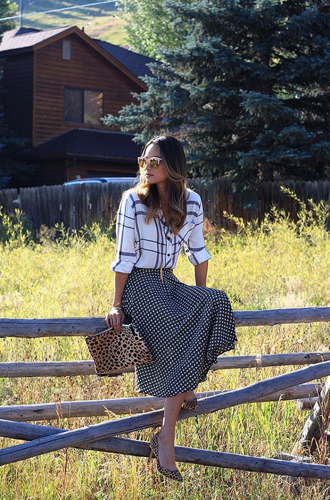 Leave it to Jamie Chung to look this good in the middle of nowhere.