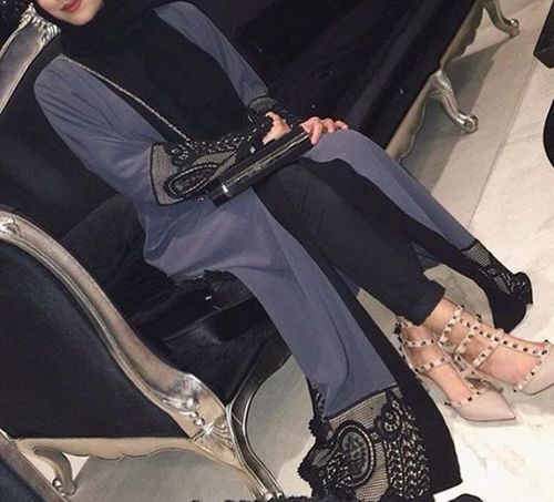 abaya and hijab image