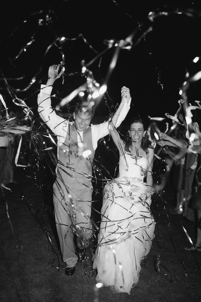 streamer confetti wedding exit by leslie-hollingsworth.com