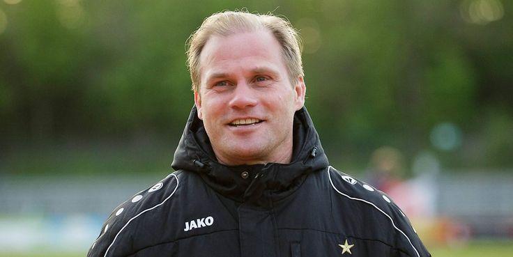 BFC-Trainer Rene Rydlewicz kann nur gequält lachen. Foto: imago/Björn Draws