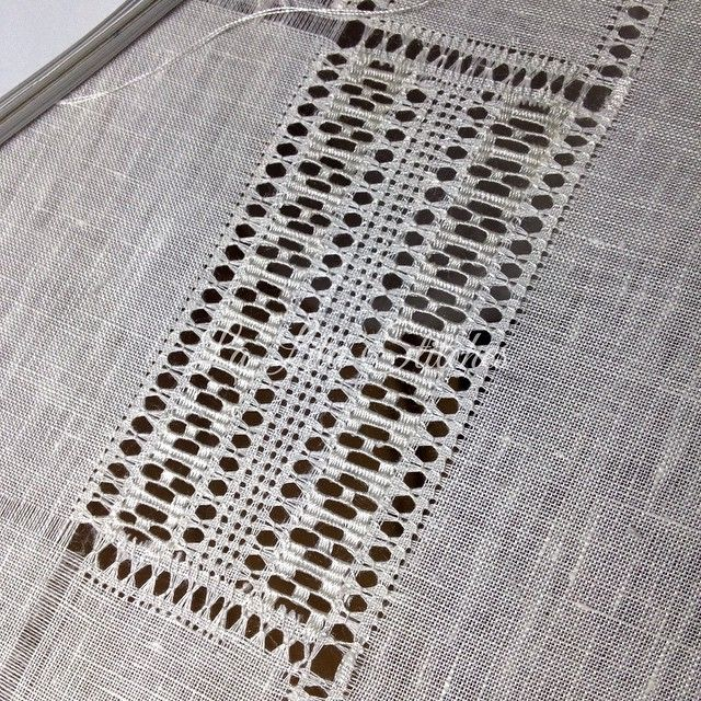 #art #craft #artwork #lalitacraft #handmade #handembroidery #linen #white #whiteonwhite #whiteembroidery #needleart #needlework