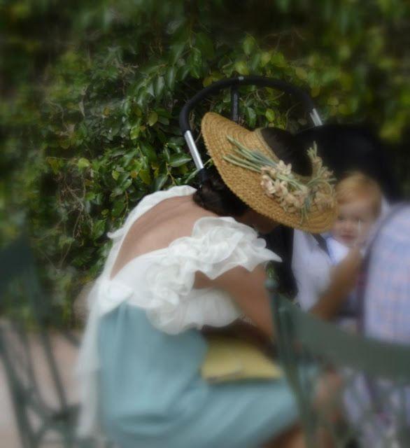 Los tocados y sombreros de Manuela Romero