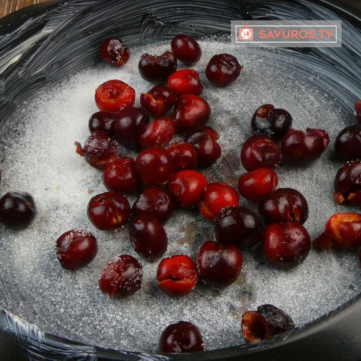 Clafoutis-ul cu cireșe este unul dintre cele mai populare deserturi franceze, care se aseamănă cu o clătită cu fructe la cuptor. Această prăjitură franțuzească este densă, extrem de aromată și proaspătă datorită cireșelor. Este perfectă