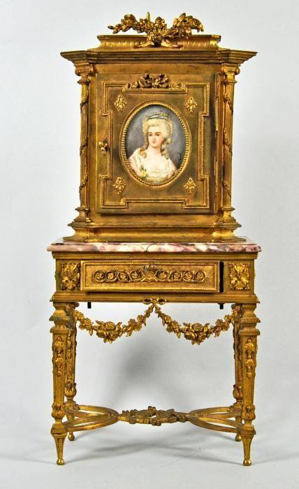 Trend SCHMUCKK STCHEN als Aufsatz M bel im Stil Louis XVI tischartiger Unterbau mit Marmorplatte und gro er