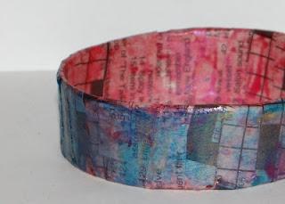 Paper Bangle Bracelets- Tutorial  http://www.donteatthepaste.com/2012/06/paper-bangle-bracelets-tutorial.html
