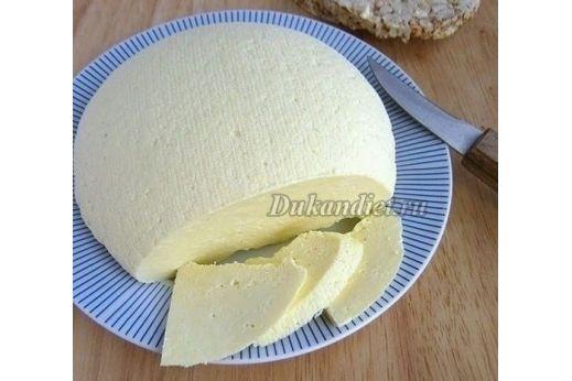 Рецепт и фото взяты из сети и опробовано мной, учитывая принципы Дюкана.  Молоко, йогурт и яйца должны быть очень свежие, и хорошего качества, берите ту фирму, в которой вы уверены.  Молоко перелить в кастрюлю, добавить соль, поставить на огонь, пусть закипает.  Яйца взбить и размешать хорошо с йогуртом.  Молоко довести до кипения, помешивая, чтоб не пригорело, затем чуть убавить огонь и постепенно влить йогуртно-яичную смесь, все время помешивая варить минут 5-6, пока сыворотка не…